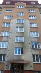 1 cisteni fasady a strechy bytovy dum Policka pred